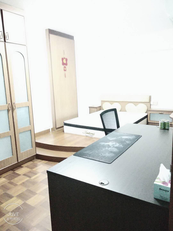 新加坡三巴旺房间出租,精美的主人房衣柜照片