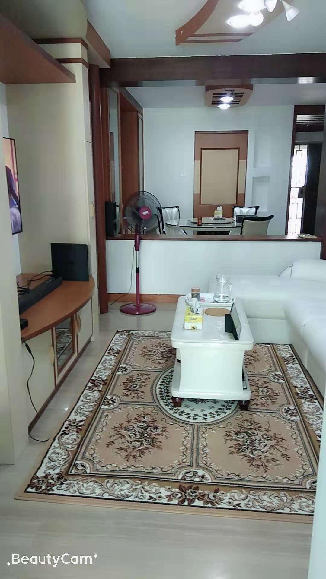 新加坡三巴旺房间出租,精美的客厅地毯照片